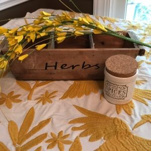 🔴🔴Super Cute Herb Garden, Spice Jar and floral